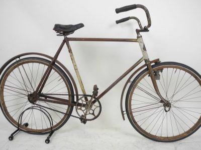 Welp Ambachtelijke fietsenmaker en fietsenwinkel | van Gilsstraat 9 Den RY-37